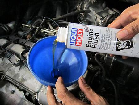 zamena masla 02 - Стоит ли промывать двигатель перед заменой масла